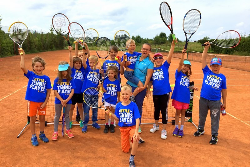 Kolonia tenisowa u Babci Maliny na Mazurach